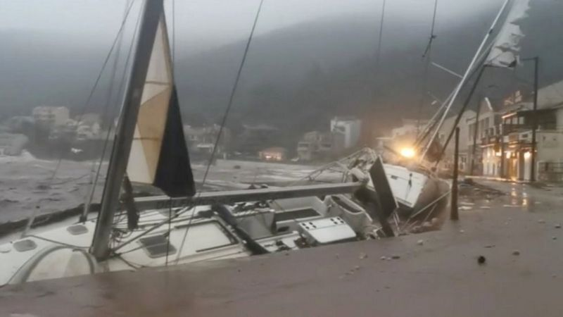 Стихия повредила лодки, пришвартованные в Кефалонии