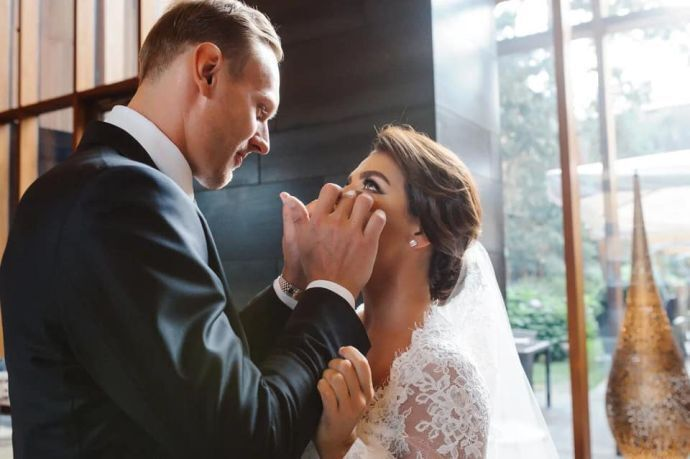 Анна Седокова и Янис Тимма поженились.