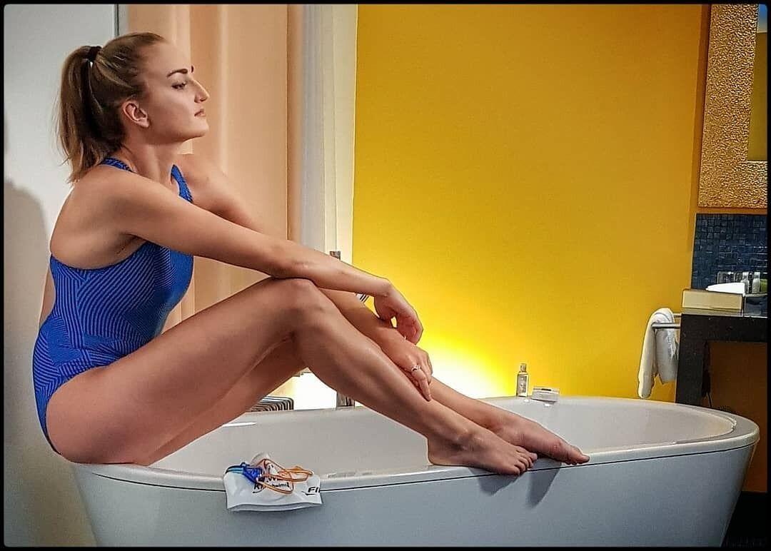 Елена Кравцов в ванной