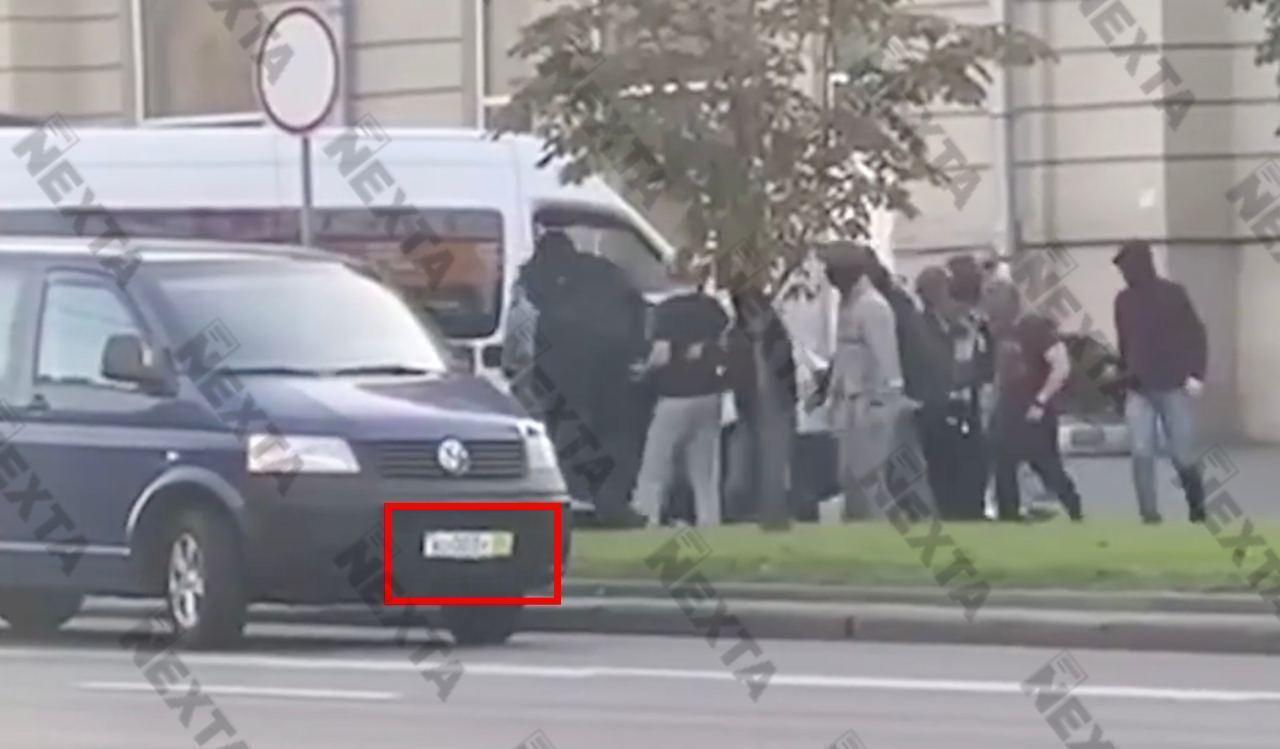 """У Білорусі пройшов 43-й день протестів, вулиці """"охороняли"""" БТРи і війська. Всі деталі, фото і відео"""