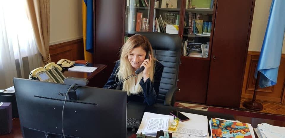 Еміне Джапарова провела з ним телефонну розмову.