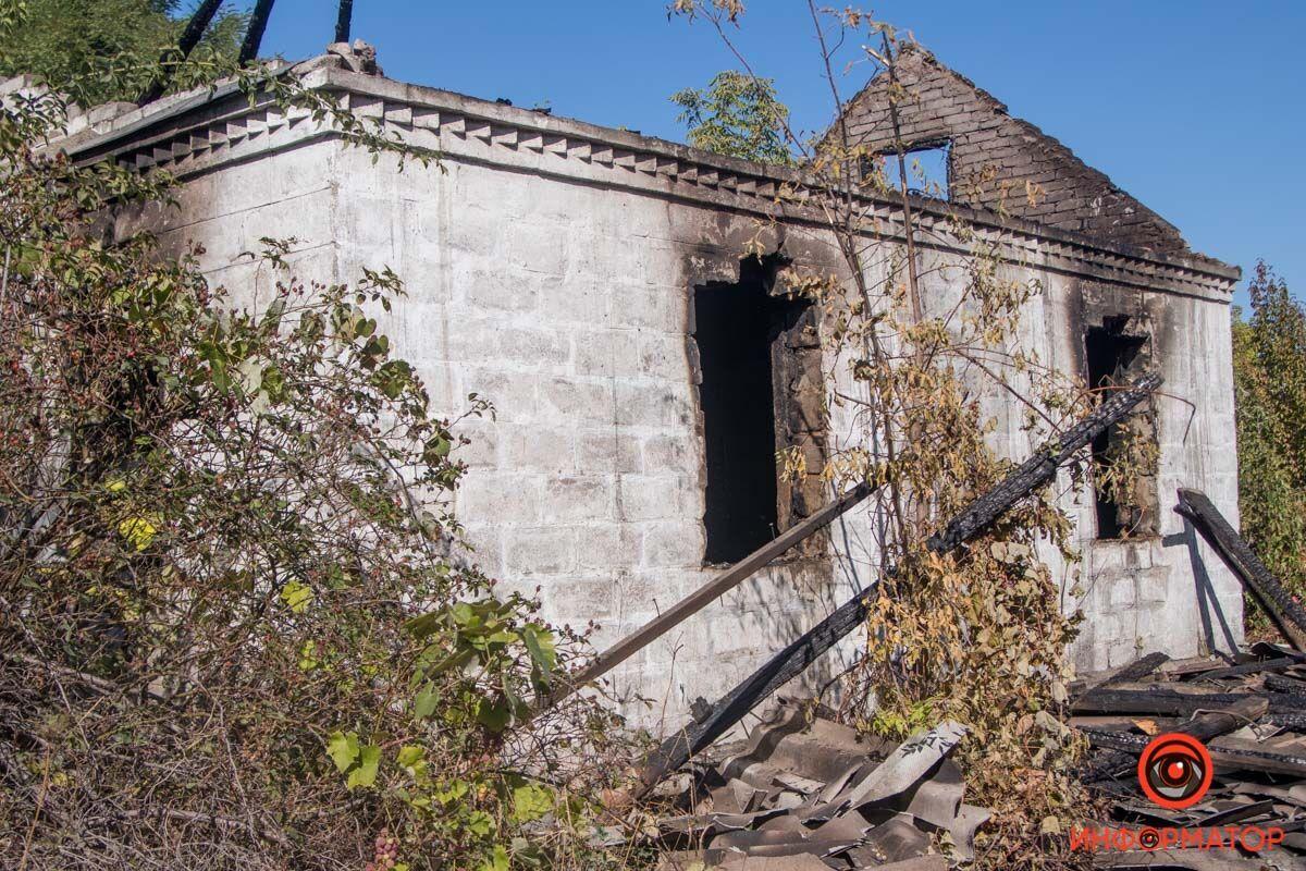 У Дніпрі на вулиці Фронтовій горів покинутий будинок.