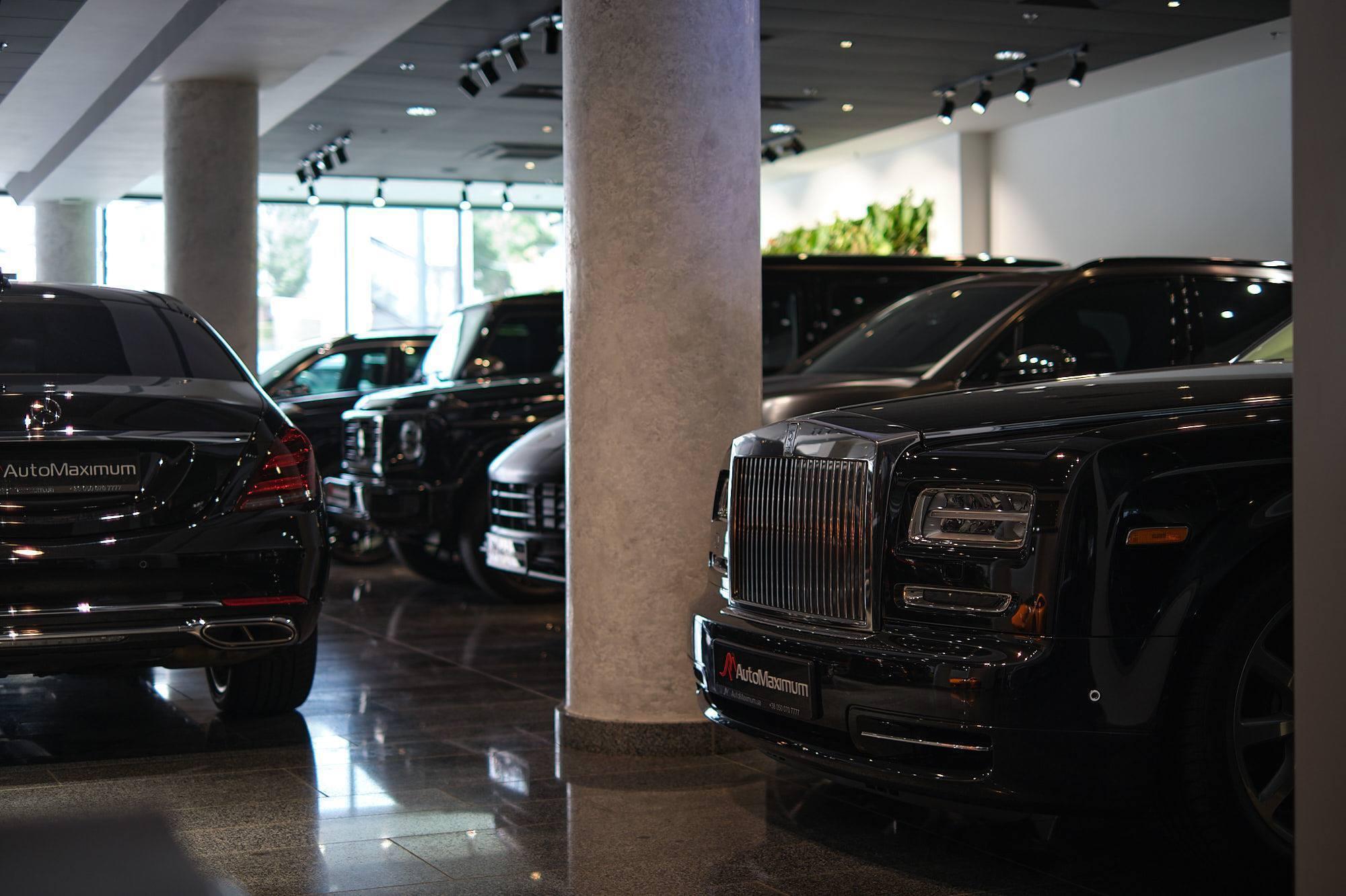 В Украине открывается мультибрендовый автосалон с самыми дорогими авто в мире и множеством сопутствующих услуг.
