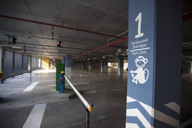 Паркінг обладнаний усіма необхідними сучасними інженерними системами.