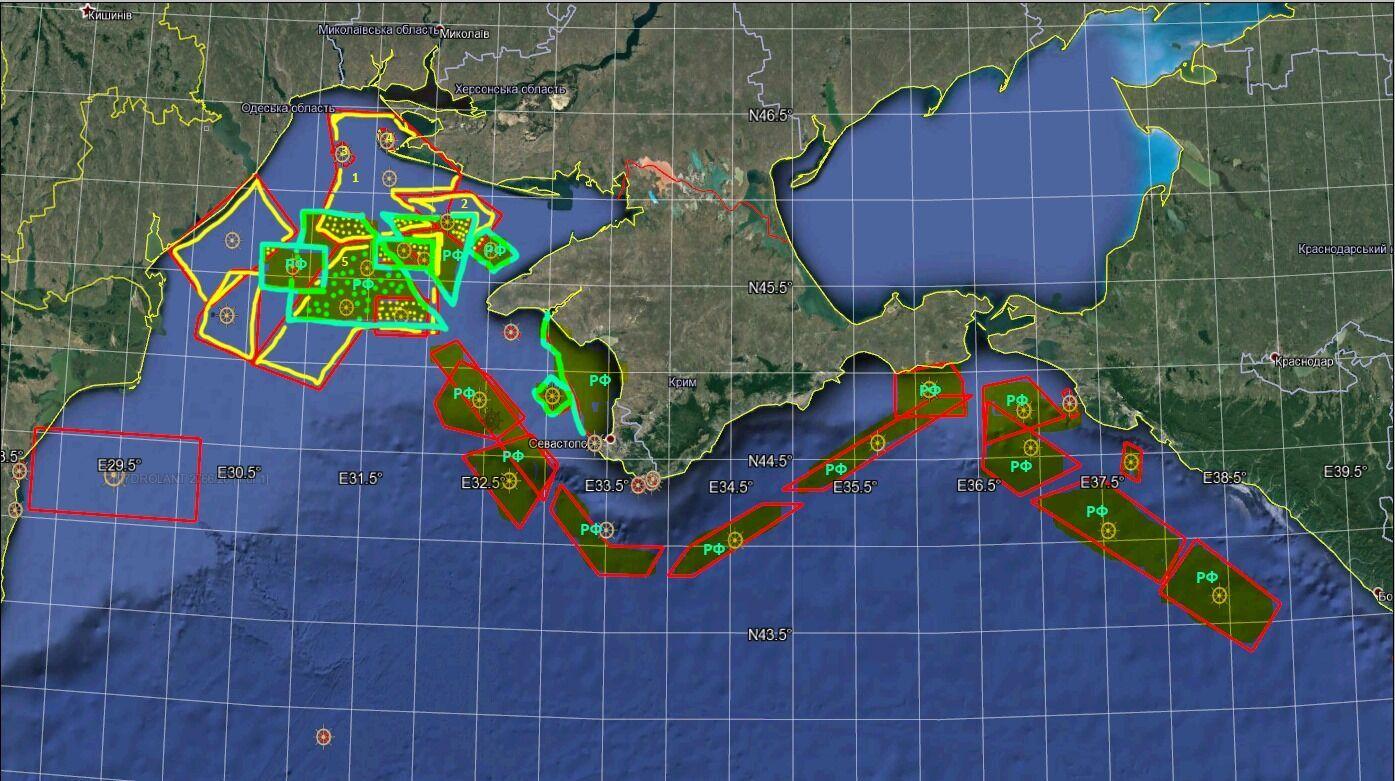 Червоним позначено район блокування судноплавства Росією, блакитним – райони навчання ЧФ РФ, жовтим – ВМСУ.