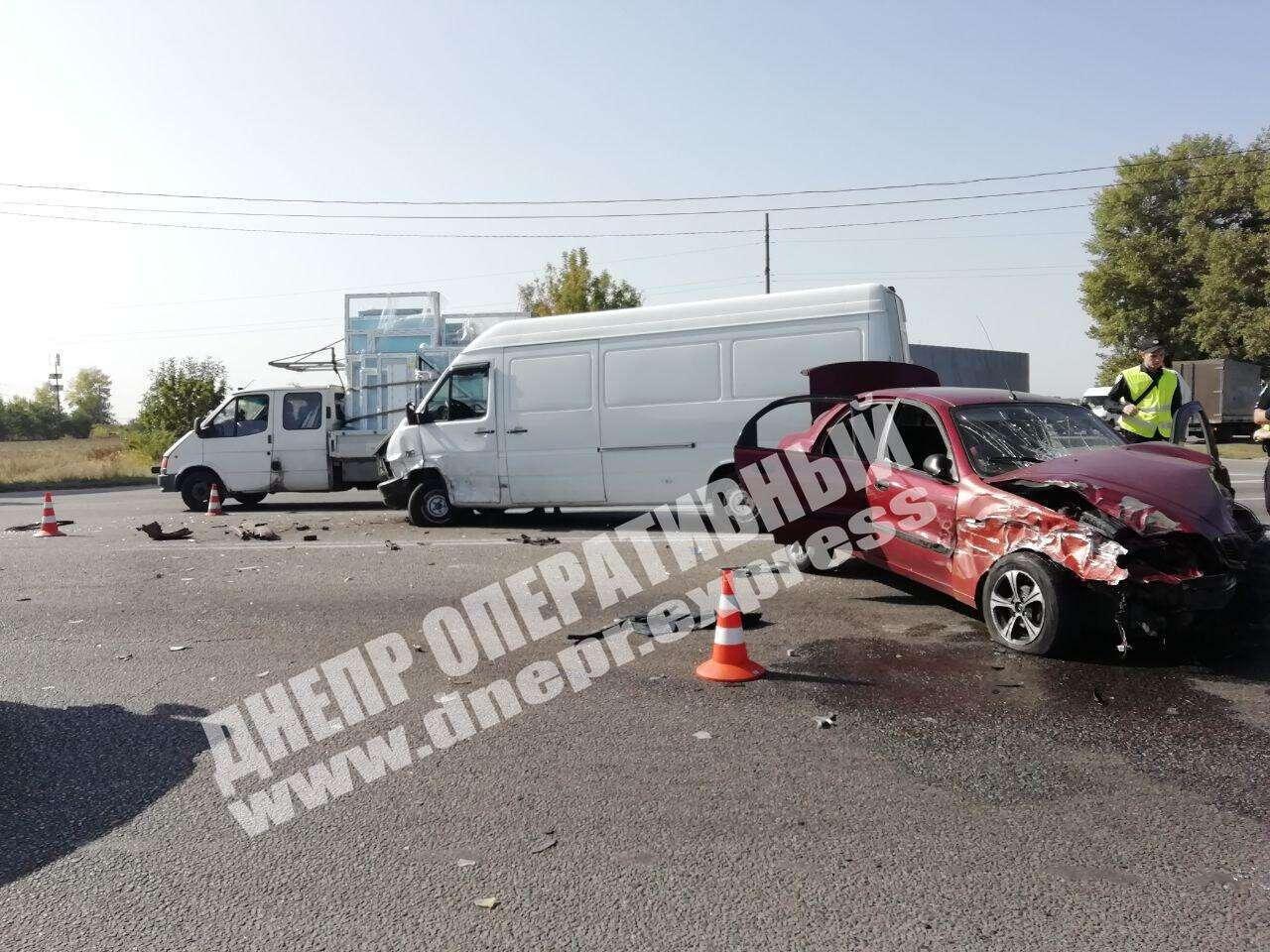 ДТП трапилася на перетині вулиць Аеропортівської та Яснополянської.