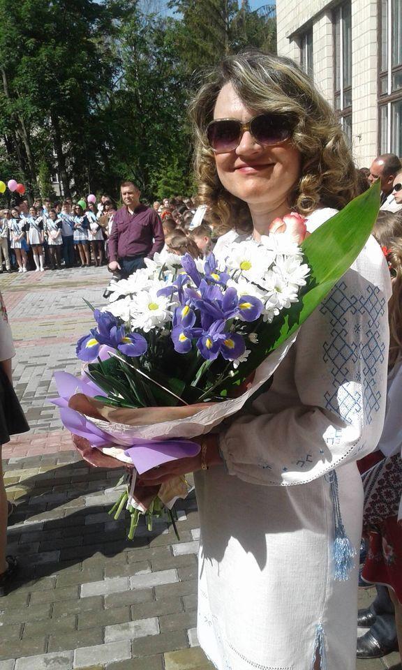 Анжела Володимирівна ніколи не спізнювалася на роботу.