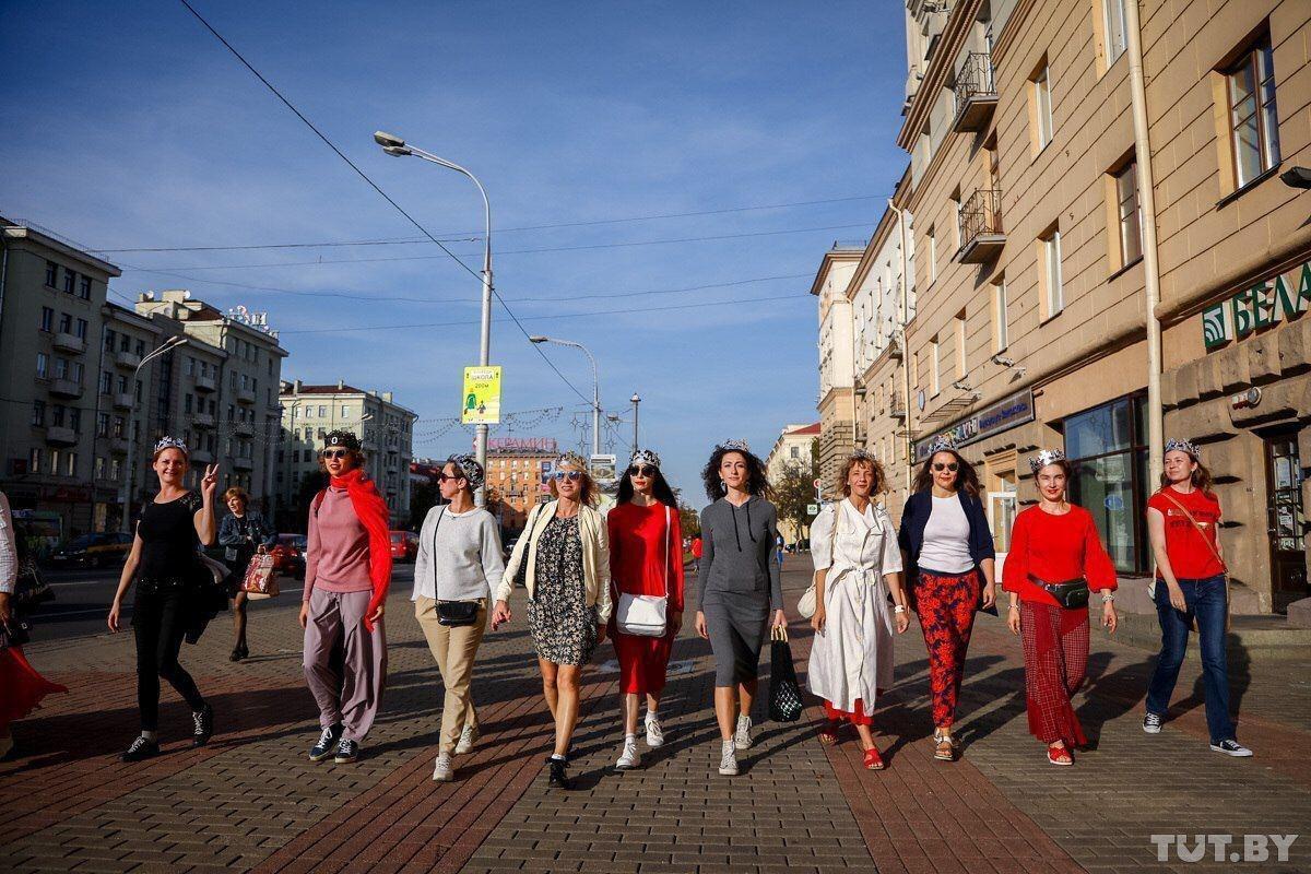 Девушки вышли на улицы Минска.