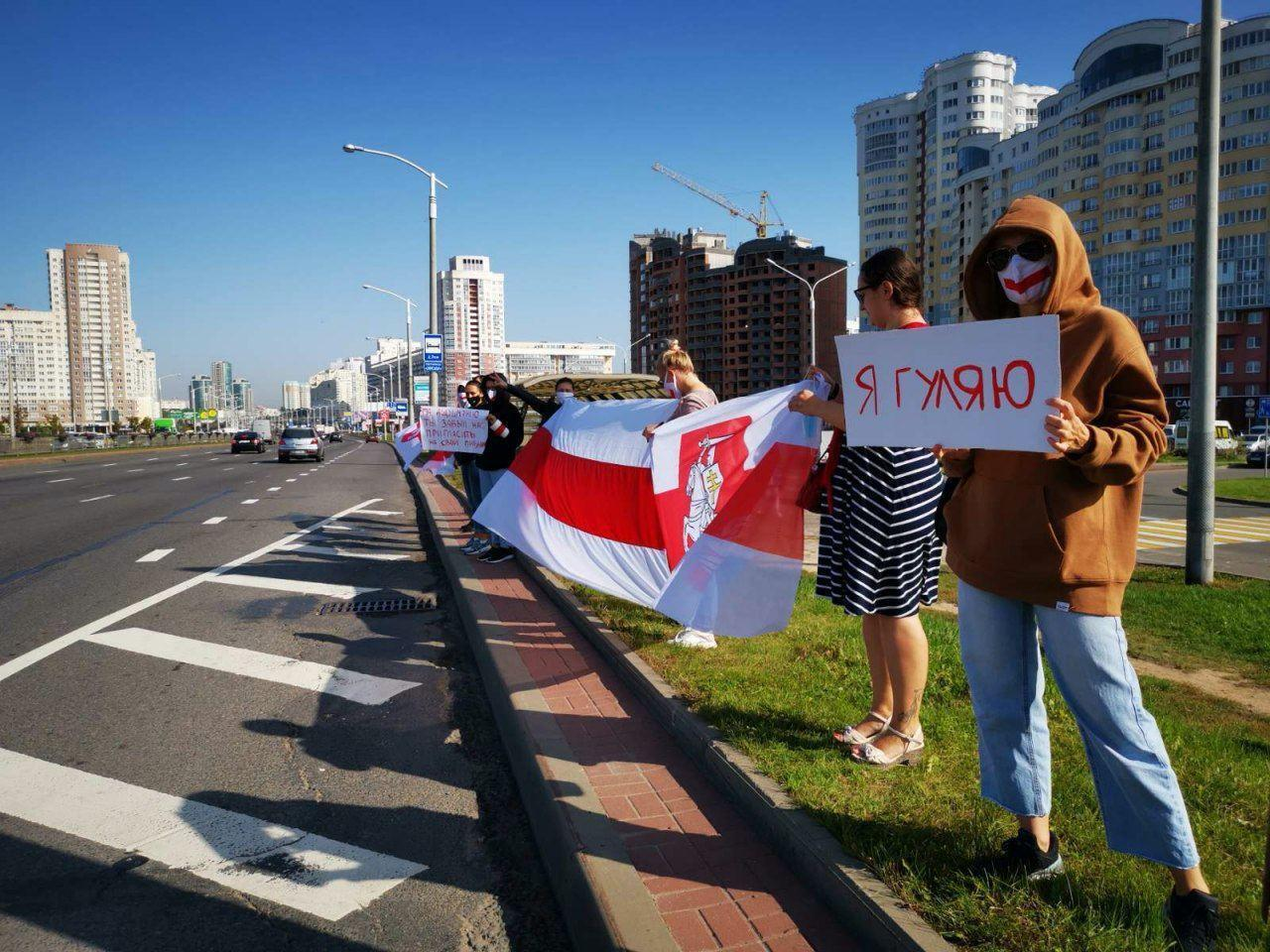 Из-за тайной инаугурации на улицы Минска вышли протестующие.