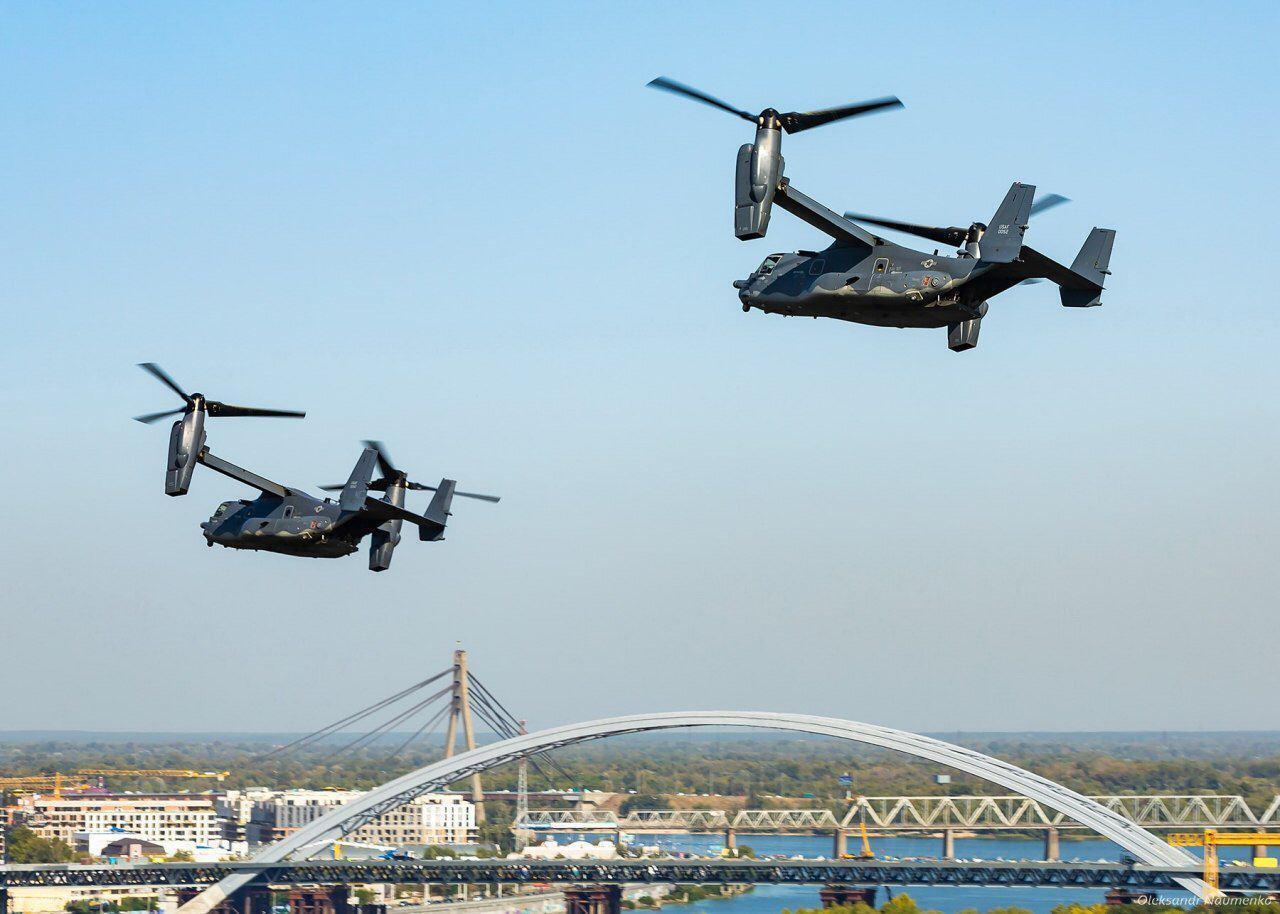 Американские Osprey в небе над столицей Украины.