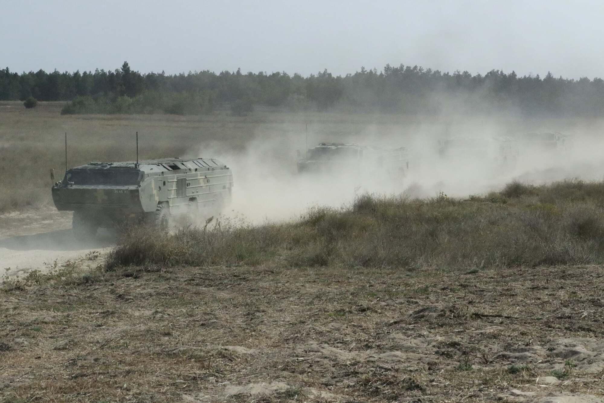 Военная техника на учениях.