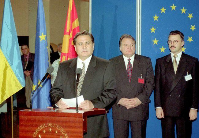Євген Марчук виступає на церемонії вступу України до Ради Європи, Страсбург, Палац Ради Європи, 9 листопада 1995 року