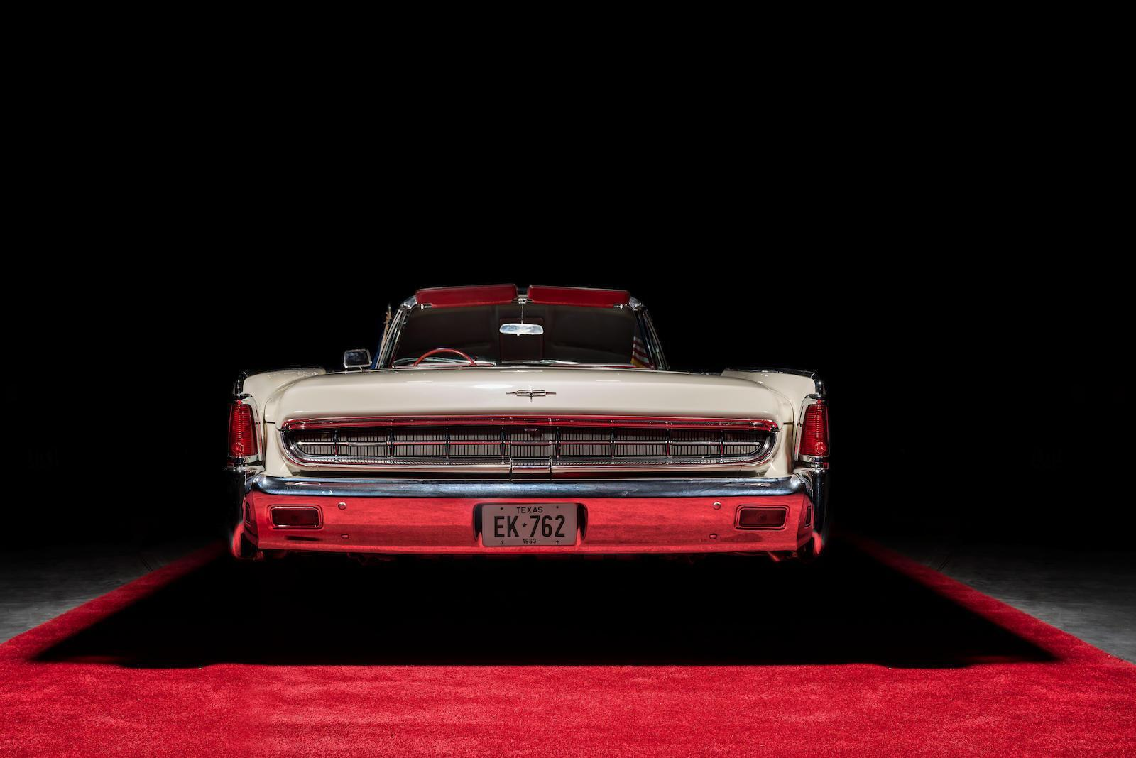 1963 Lincoln Continental Convertible. Фото: