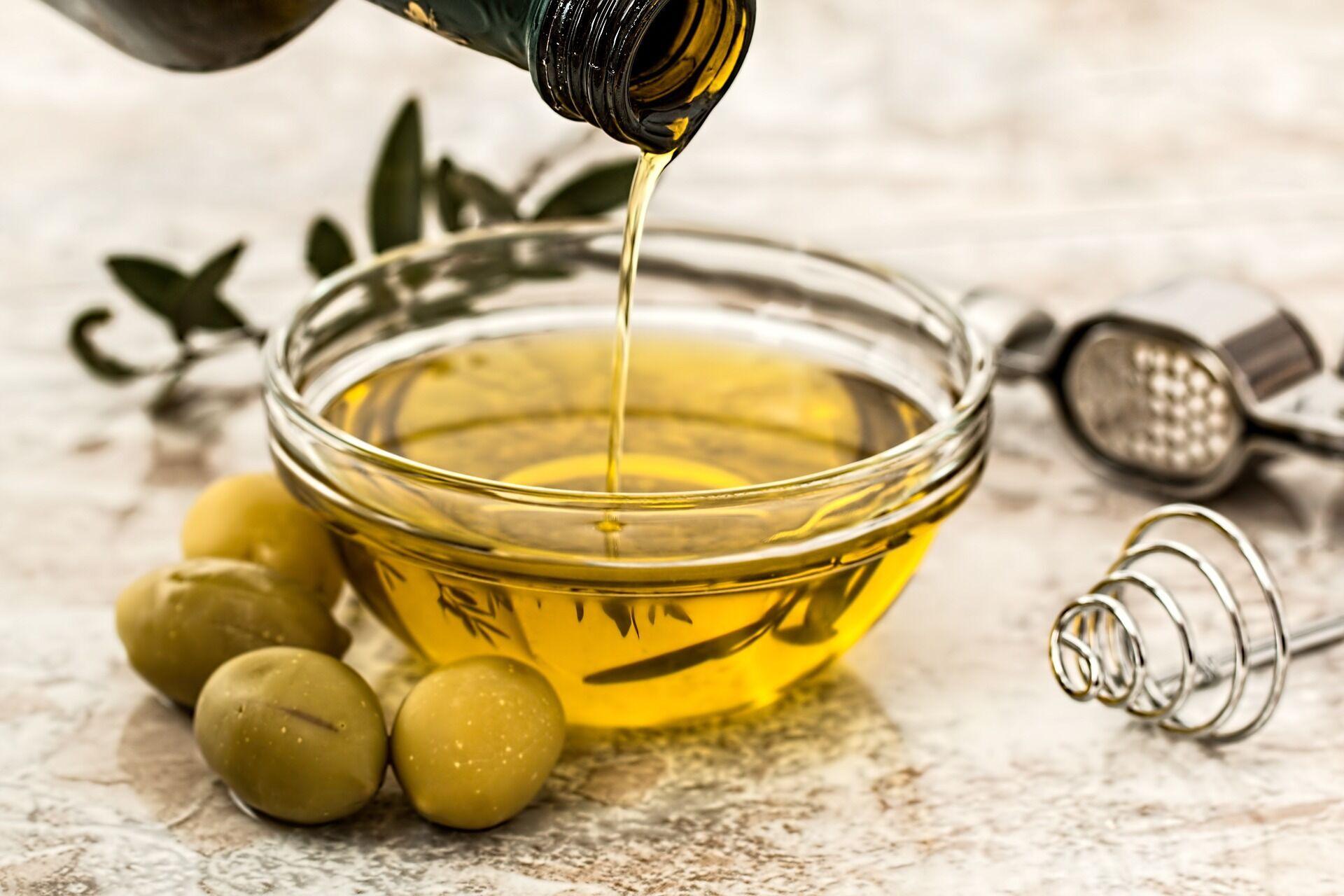 Оливковое масло содержит ненасыщенные жиры, полезные для сердца