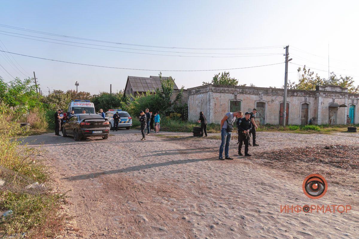 В результаті один з учасників конфлікту отримав поранення в живіт.