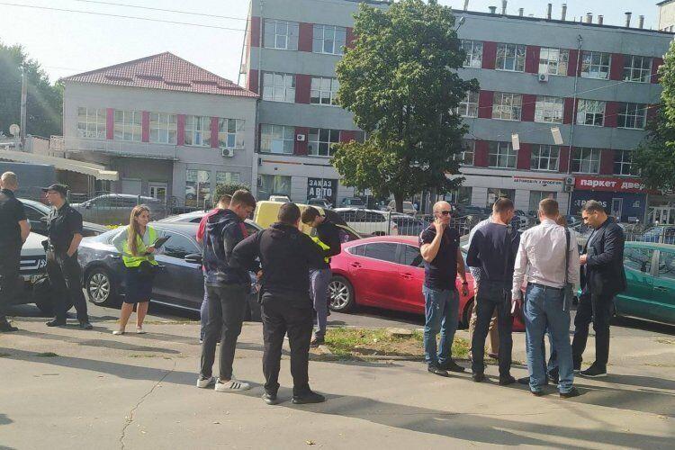 Место стрельбы и ограбления в Харькове