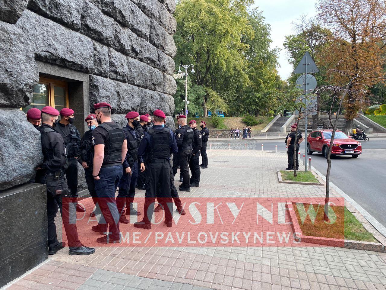 Силовики охраняют порядок на митинге