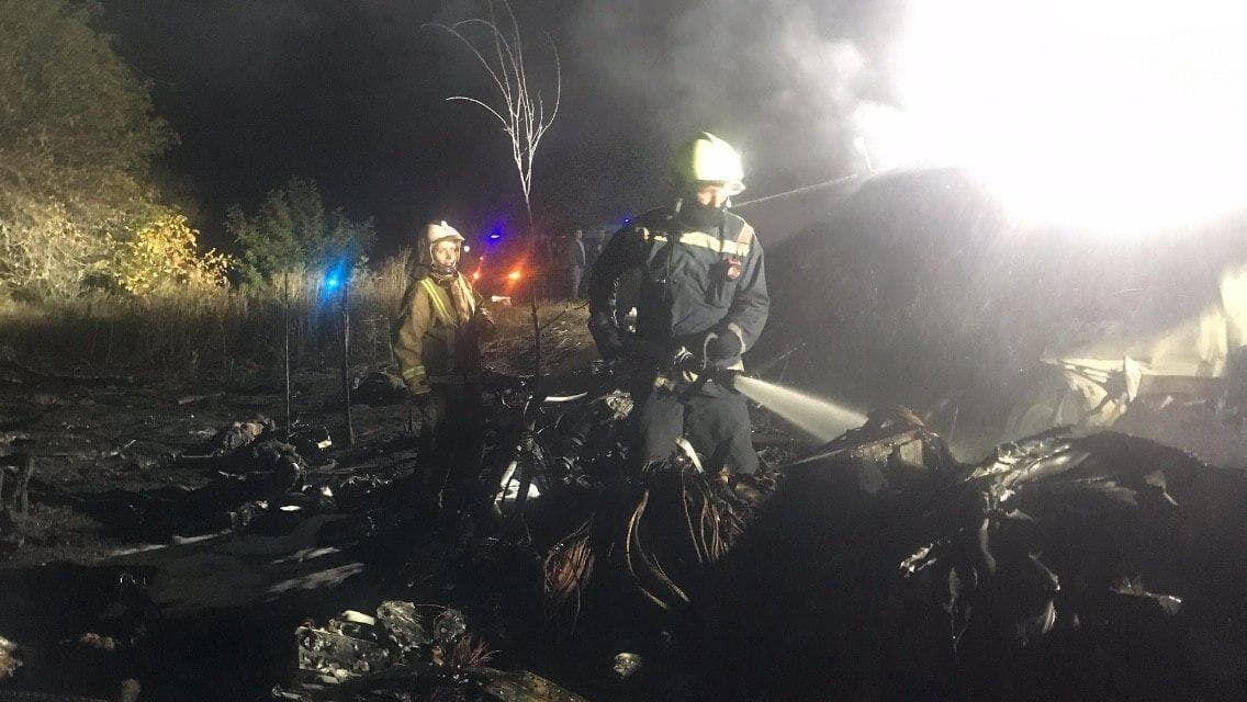 Спасатели тушили пожар