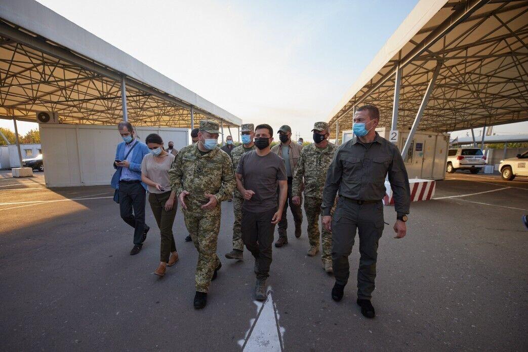 """Зеленский проверил КПВВ """"Майорск""""."""
