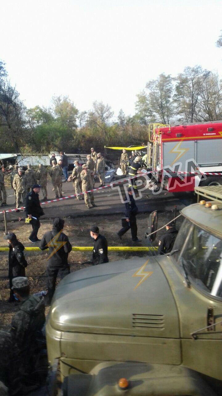 На місці трагедії встановили намети для сімей екіпажу Ан-26.