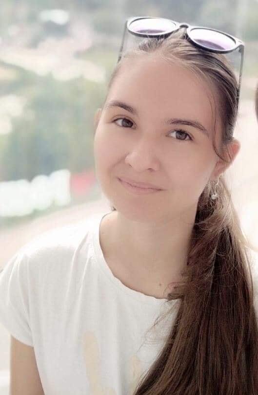 В Киеве искали пропавшую 13-летнюю Еву Извекову