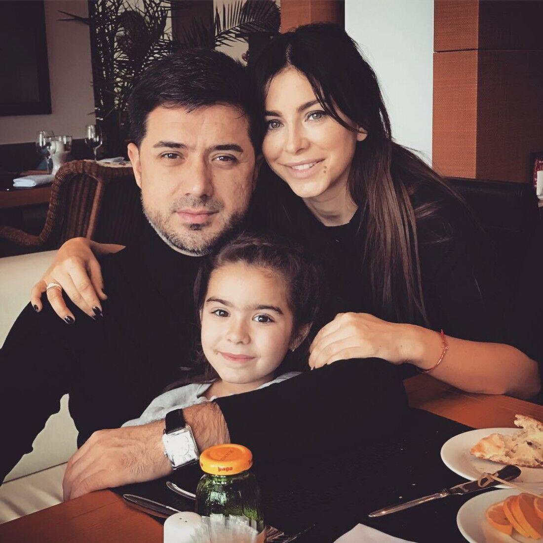 Ані Лорак з колишнім чоловіком і донькою.