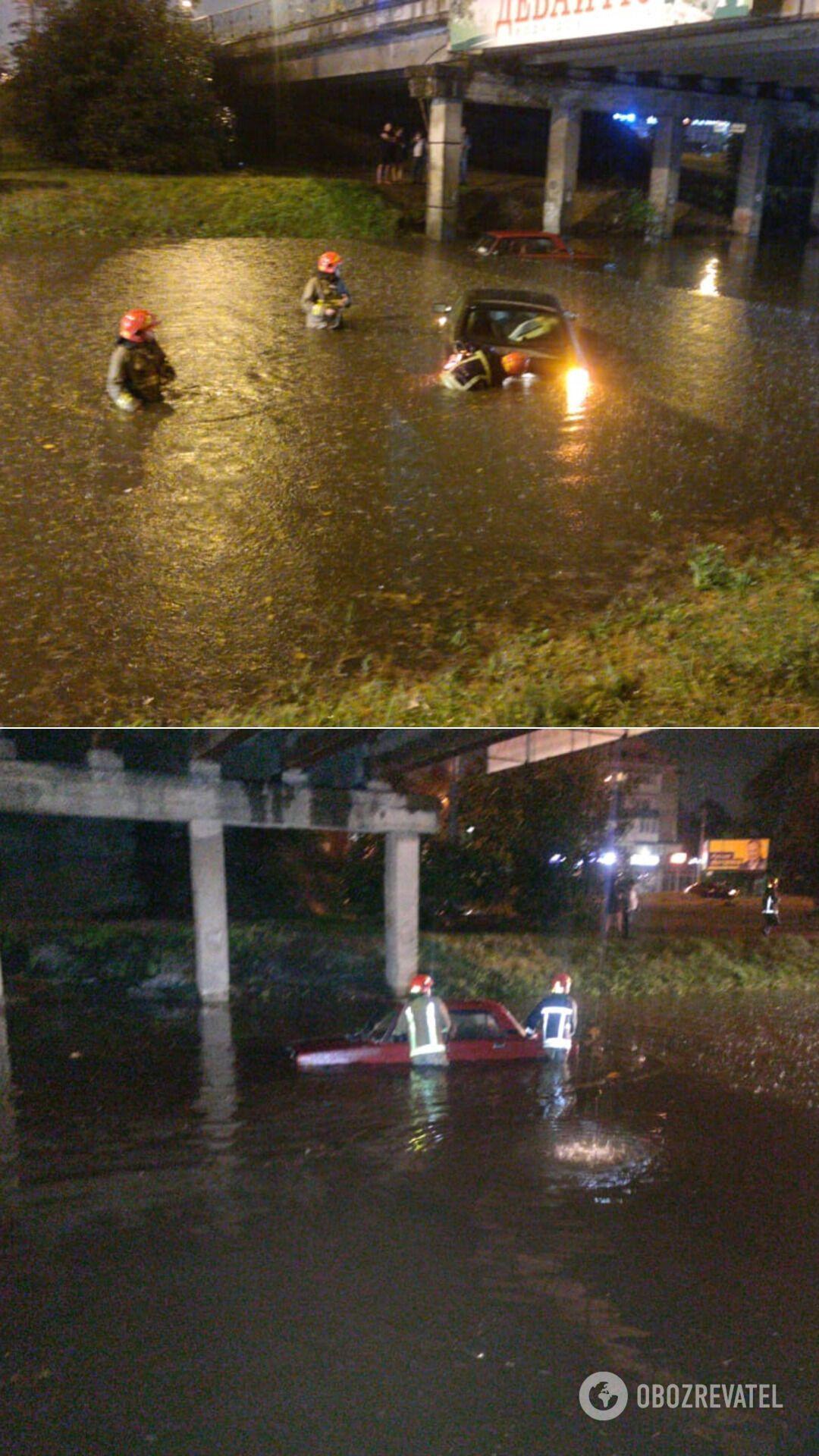 Через бурю на Івано-Франківщині затопило вулиці