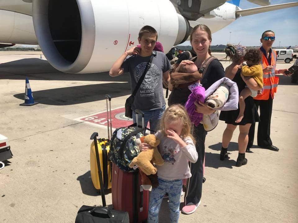 Яна с детьми и мужем-иностранцем вернулись в Украину вместе.