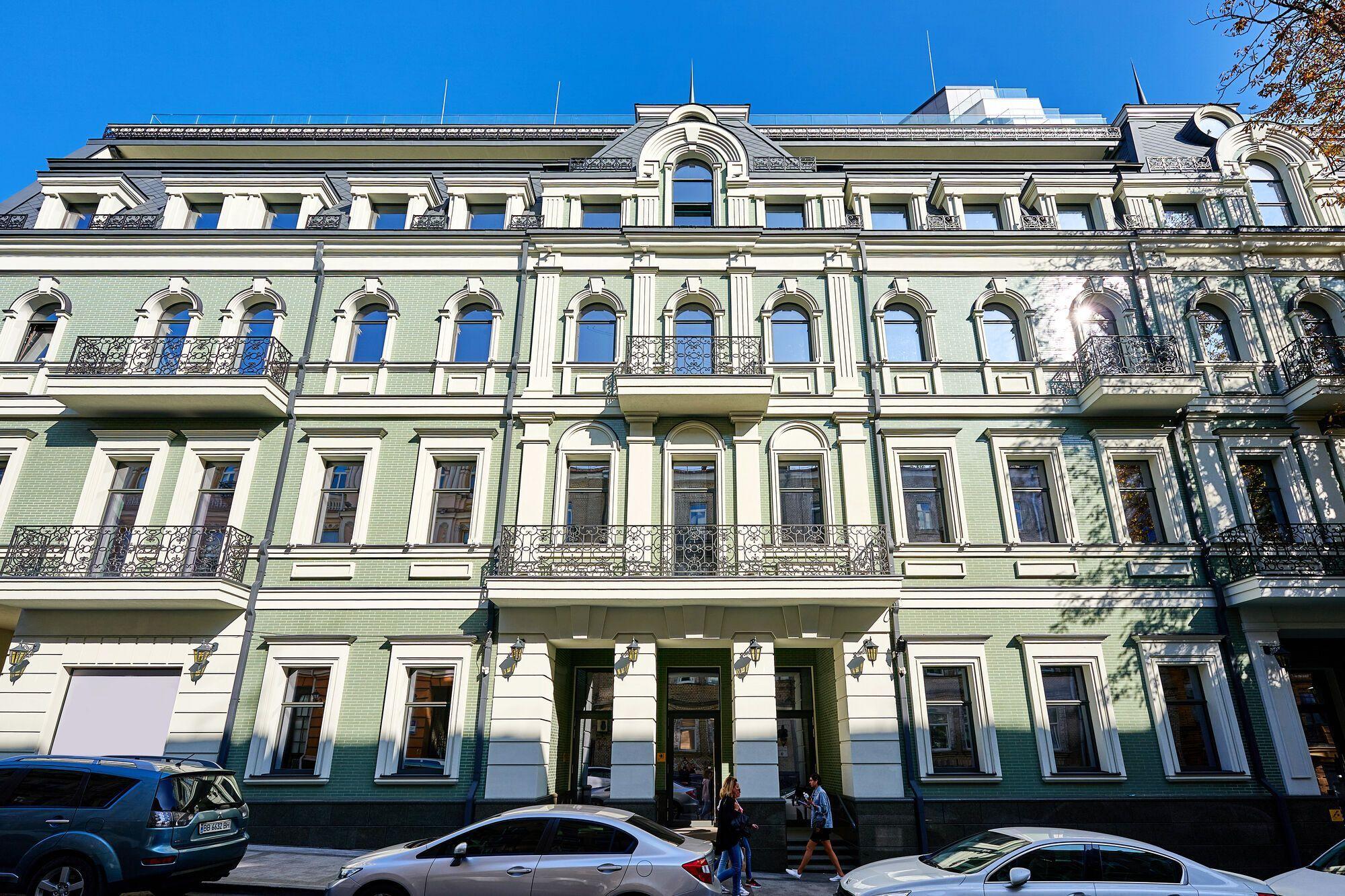 Компания НЕСТ ввела в эксплуатацию бизнес-центр HILLFORT Business Mansion в Киеве