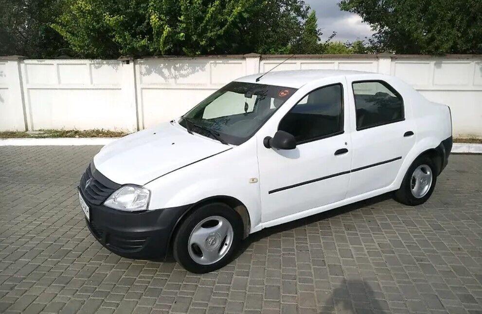 Renault Logan за $3000.