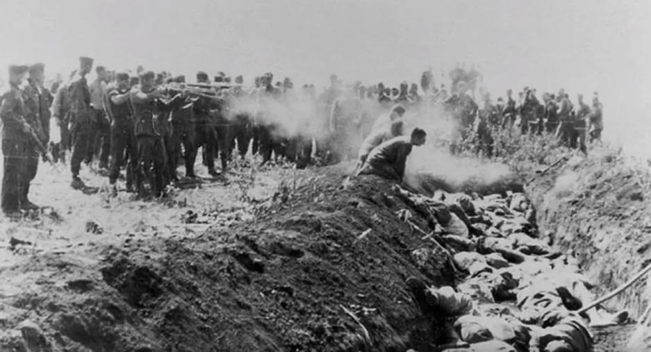 Число жертв Бабьего Яра достигло минимум 100 тысяч .