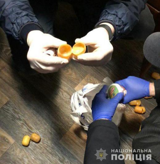 Наркотики попадали в колонию при помощи рогаток и арбалета.