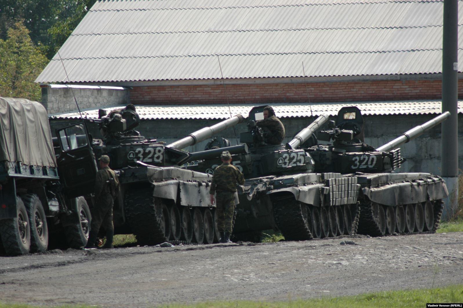 Штурм школы в Беслане велся с применением тяжелой военной техники