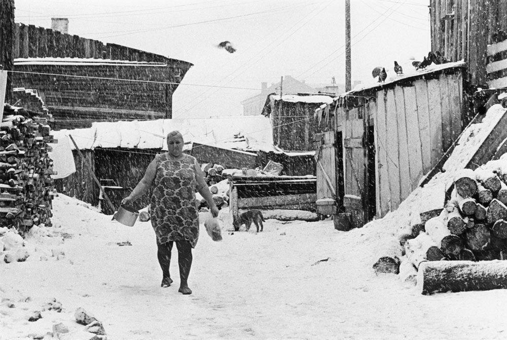 Радянська інфраструктура в старій частині міста.