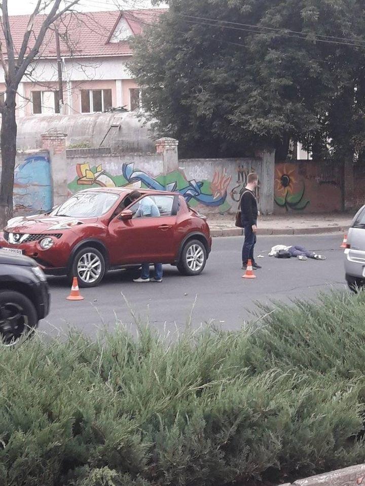 Женщину сбили на пешеходном переходе.