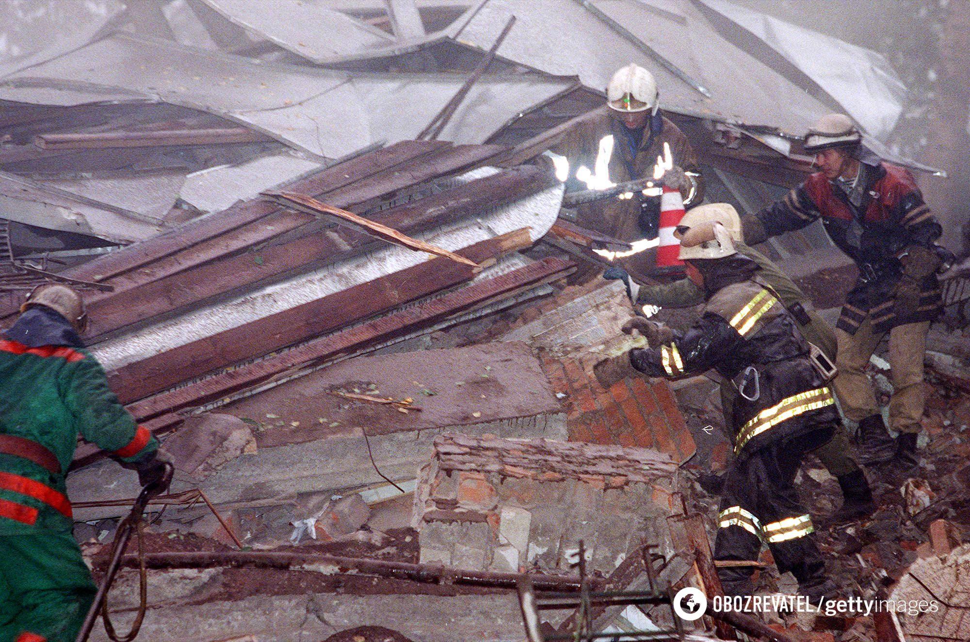 Пошуки уцілілих після вибуху в Москві 13 вересня 1999 року
