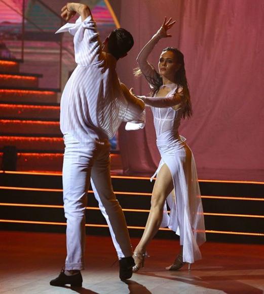 Выступление Саниной и Жука.