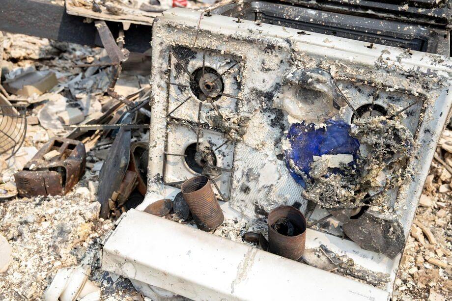 Пожары в Калифорнии уничтожили сотни домохозяйств