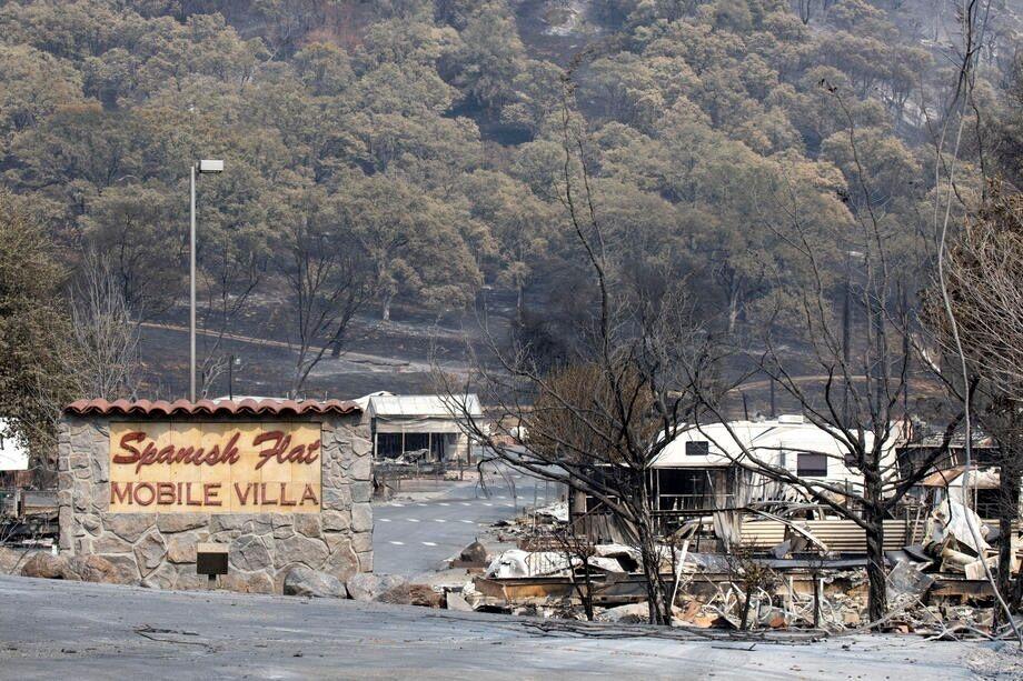 Пожары раскинулись на пять округов Калифорнии
