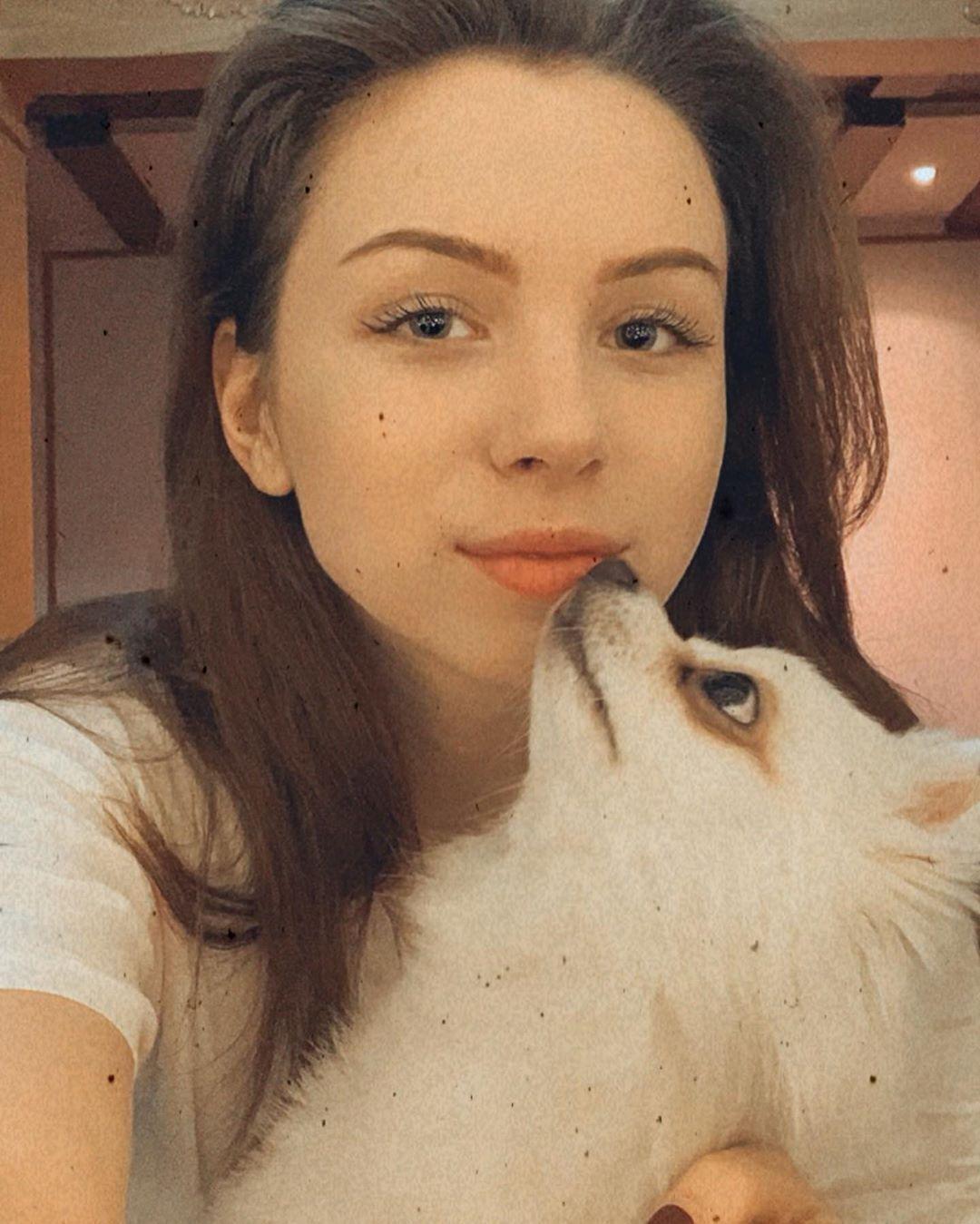 Зинченко получила отказ на эвакуацию из Уханя вместе с собакой