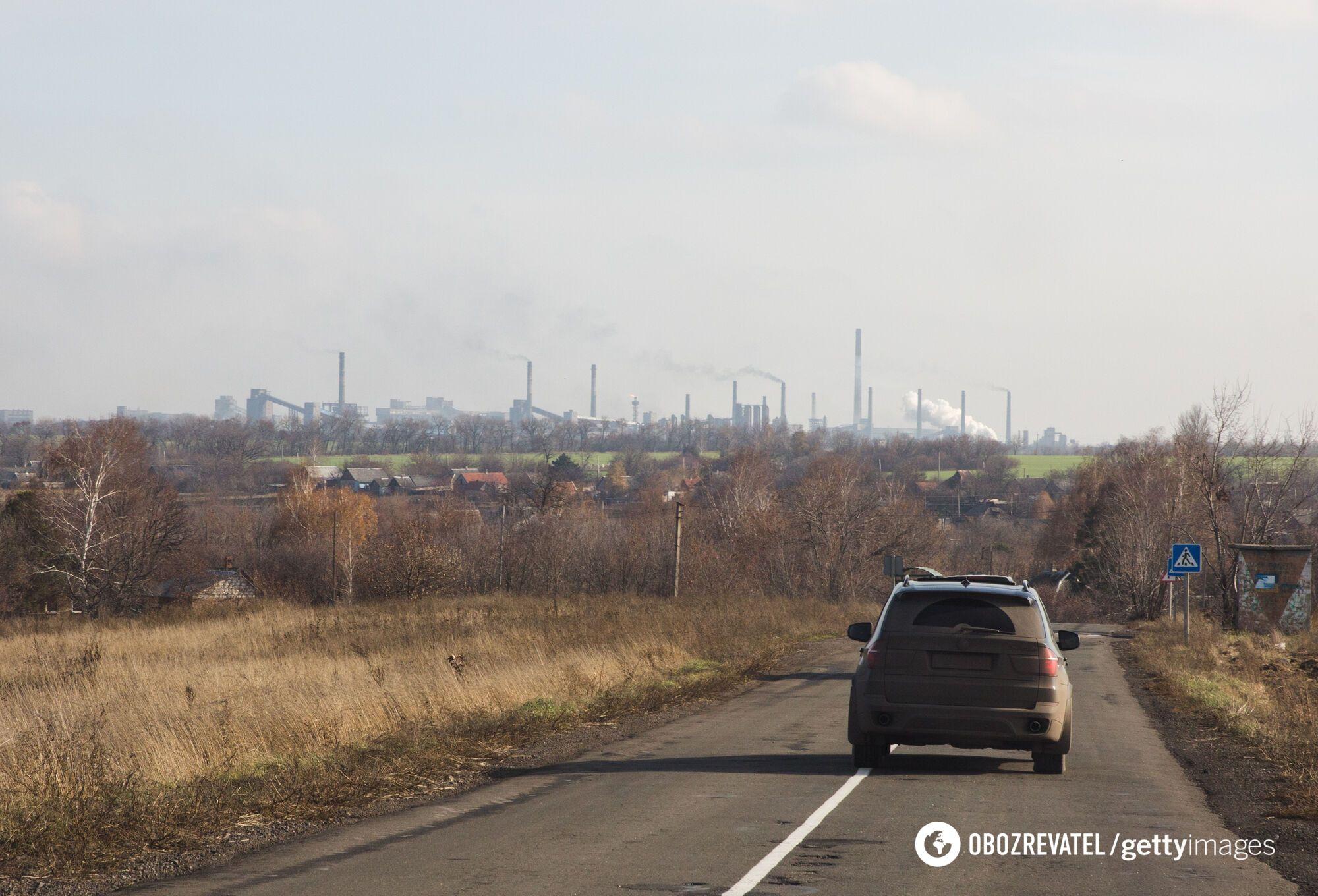 Вид на Авдеевский коксохимический завод, ноябрь 2019 года