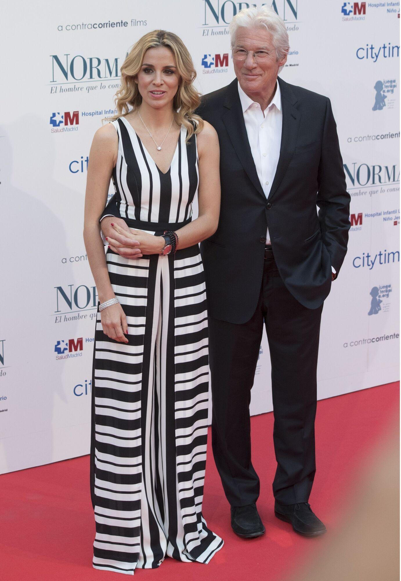Річард Гір з дружиною Алехандрою.