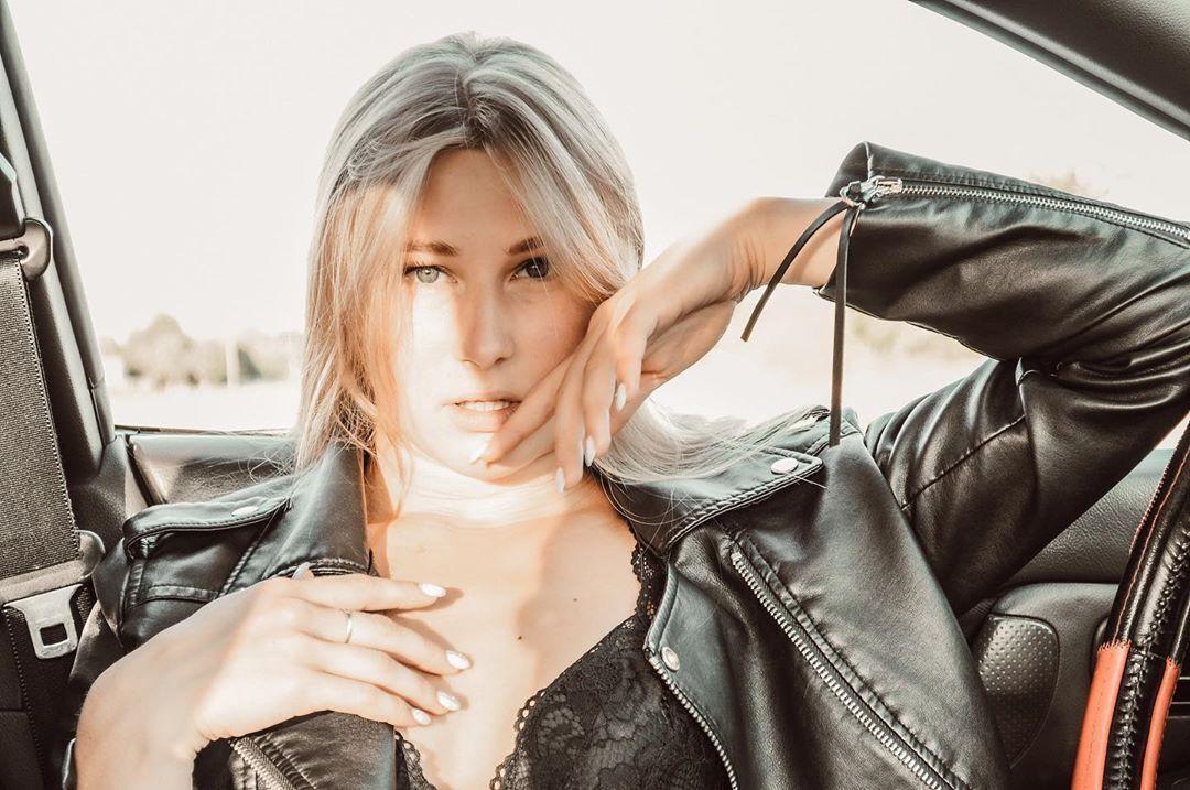 Катерина Нікітіна в пікантній фотосесії (Instagram Катерини Нікітіної)