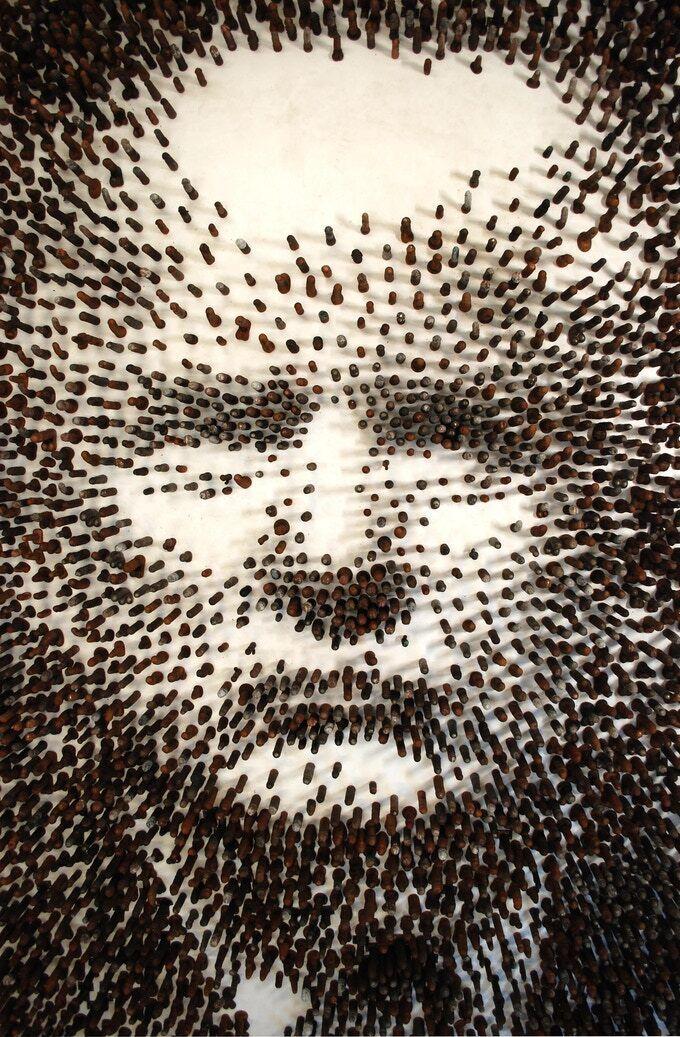 Портрет Трампа из 2020 фаллоимитаторов