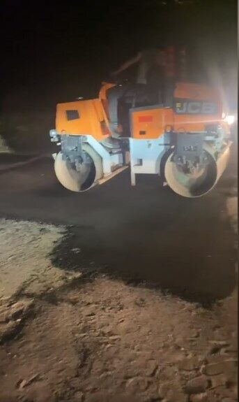В Озерном срочно начали ремонт дорог перед приездом Зеленского.