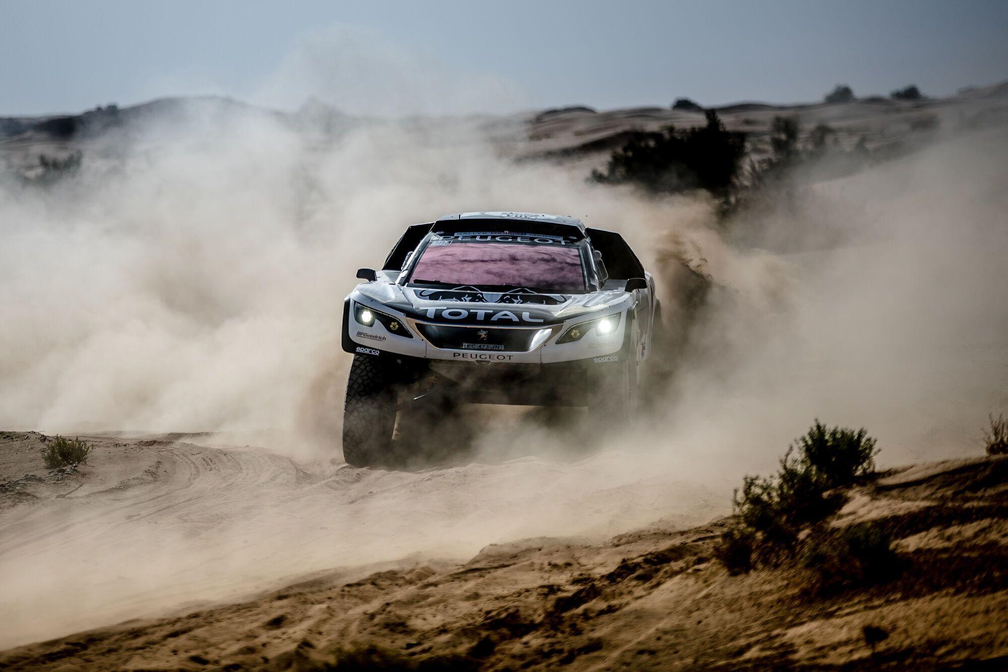 Peugeot на трасі ралі Dakar. фото: