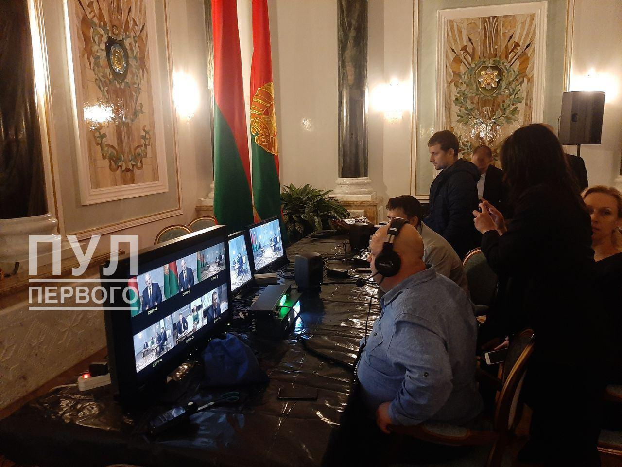 Российские пропагандисты приехали на интервью с Лукашенко