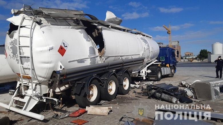 У Києві вибухнула автоцистерна для газу.