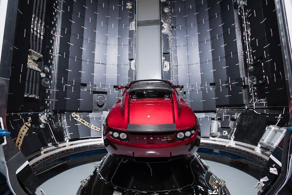 Электромобиль Tesla отправили в космос в 2018 году.