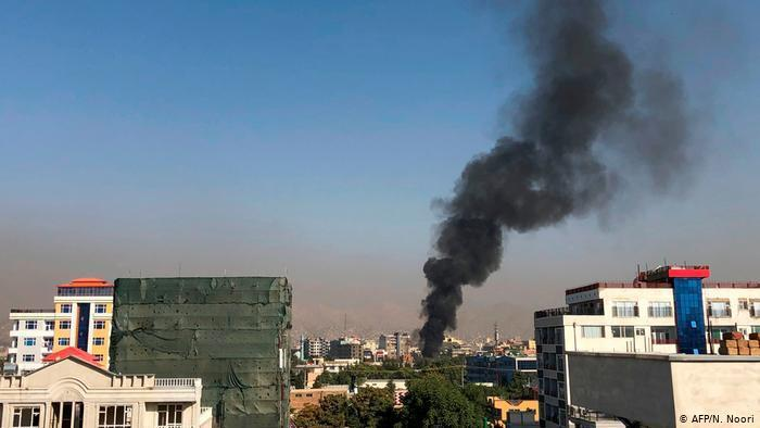 Хмару диму після вибуху в Кабулі було видно за кілька кілометрів від місця події.